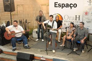 As bandas Em nome do Pai, Canto Novo e Mágico Encontro<BR> sobem ao palco juntas para a confraternização